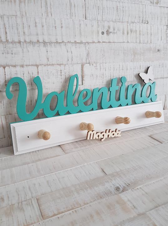 Kindergarderobe aus Holz mit Namen Valentina in Schreibschrift